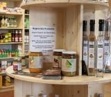 Zudem werden viele regionale Produkte angeboten.